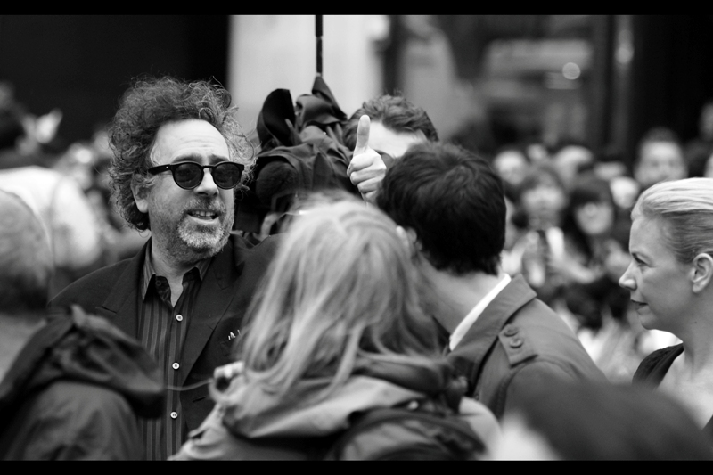Tim Burton didn't sign in our area (actually only Chloe Moretz and Michelle Pfeiffer did). But what we want to know is : Does he like what Christopher Nolan has done with Batman? (Don't we all)