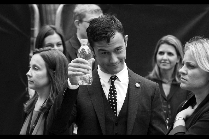 My fortunes are shifting! Joseph Gordon-Levitt now feels like sharing that he has more cool bottled drinking water than I have!