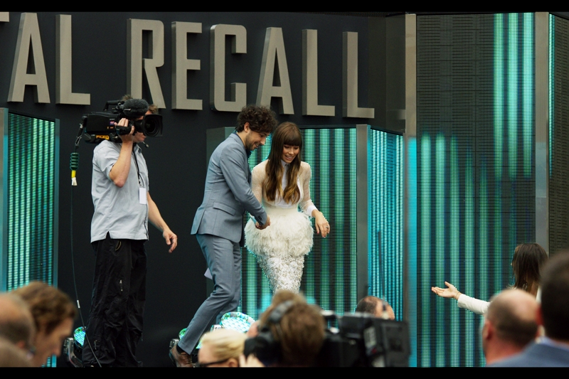 Jessica Biel is led off the stage and presumably (politely) asked to find something less sensationally awful to wear.  I'm right about this assessment, right? Furry Plumage and Lace was totally 2003 and isn't due for a triumphant return til mid-2183, yes?