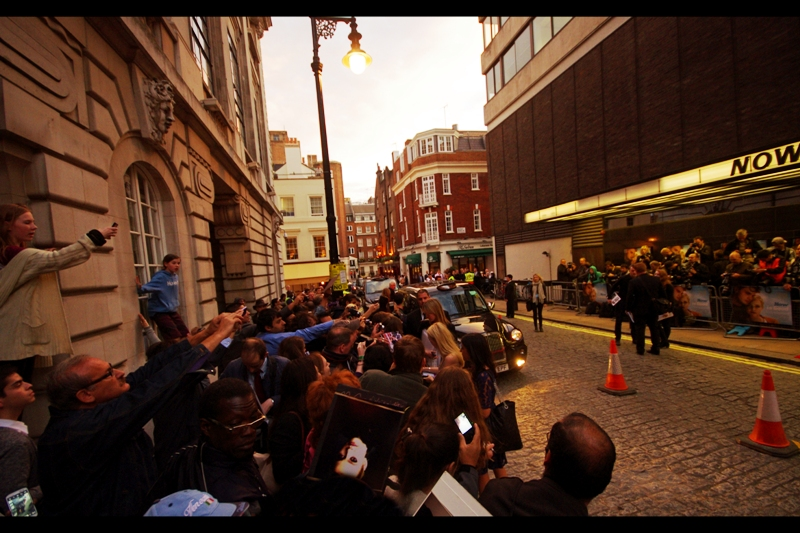 Quite remarkably, they let Dakota Fanning cross a road to get to fans!