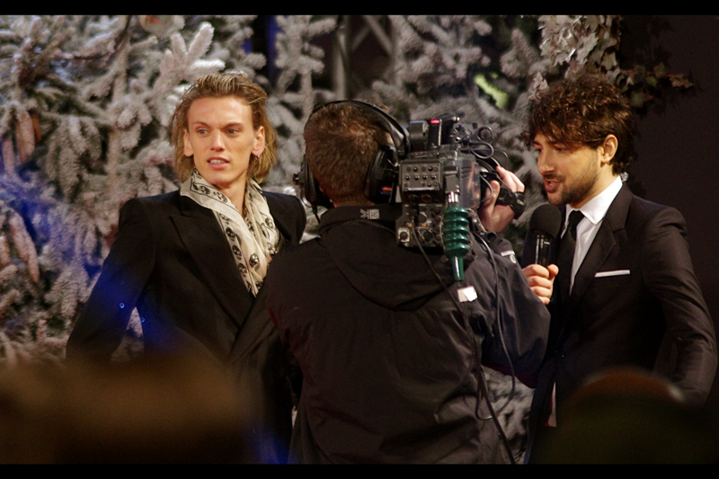 Britain's own Jamie Campbell-Bower is, along with RPatz, an alumni of both Harry Potter and Twilight franchises. And that scarf? I want.