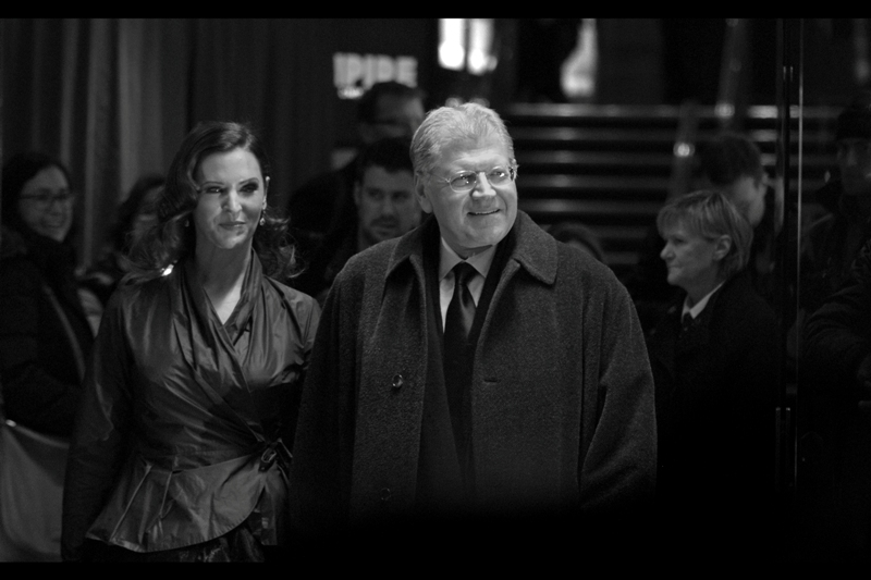 Robert Zemeckis also directed Who Framed Roger Rabbit AND wrote Bordello of Blood AND produced the Paris Hilton star vehicle House of Wax. He also has an Oscar on his shelf.... while at best I have a couple of old digital Pentax SLRs