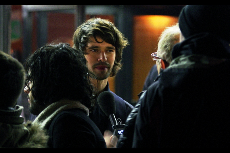 If I hadn't recently watched Skyfall, I would have wondered why a member of the band Kasabian was at this premiere. By the way : Ben Whishaw's Cloud Atlas Character Count : 5