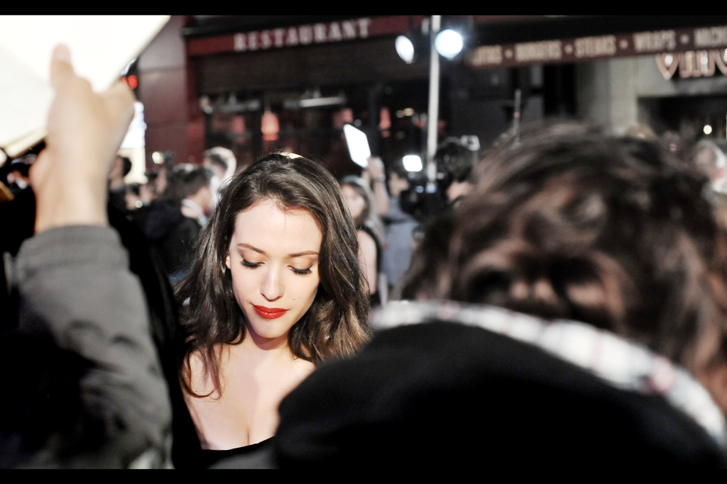 Kat Dennings returned to our area to sign more. I'm calling her look Hathaway-esque until I'm told by Anne Hathaway's people to stop.