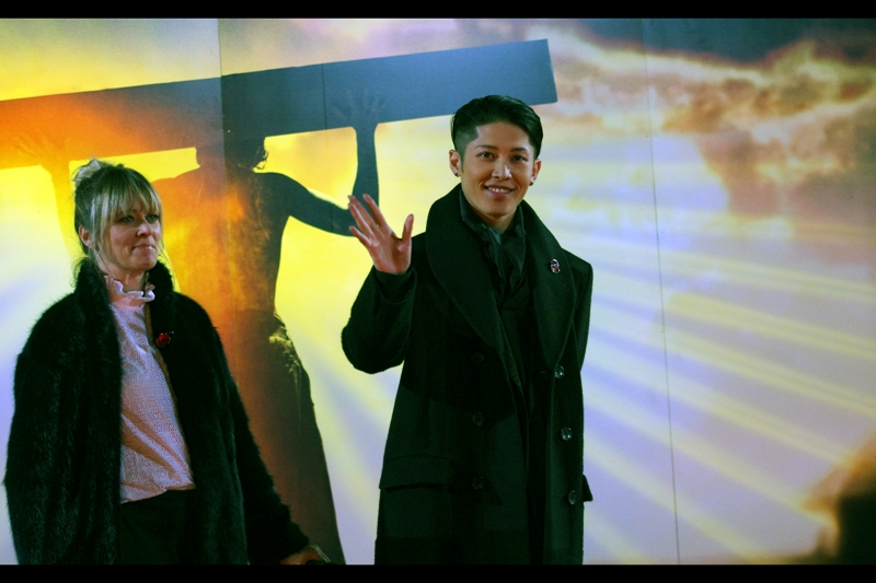 """Peace out, I'm Miyavi"""