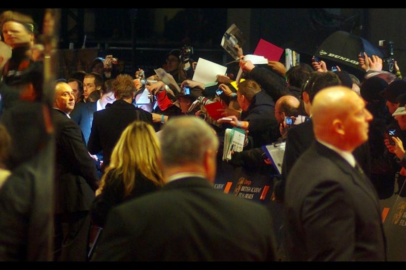 AMMMMMAAAAAGAAAAAAAHHHHHHHHHDDDDD!!!!!!!!   It's about one third of the face of Robert Pattinson. (I know, right?)