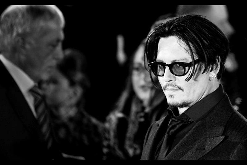 It's the man we're all here to see : JOHNNY DEPP! (though, now having seen Amber Heard, I'm quite happy to see more of her) (once Johnny Depp has signed my photo... )