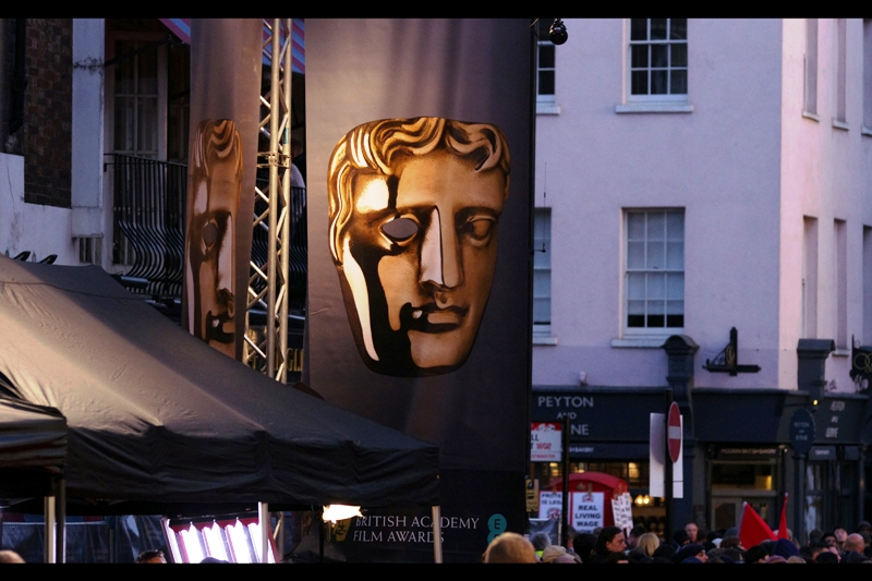 One year, perhaps the year AFTER next year, I'm going to hang a fullsize SLR from the eye of a Bafta Halloween Mask and see if anyone mistakes the glint off the lens for a twinkle in the mask's eye (such thoughts as these and many even less interesting pass through my mind in the hours before waiting for the Baftas to start)