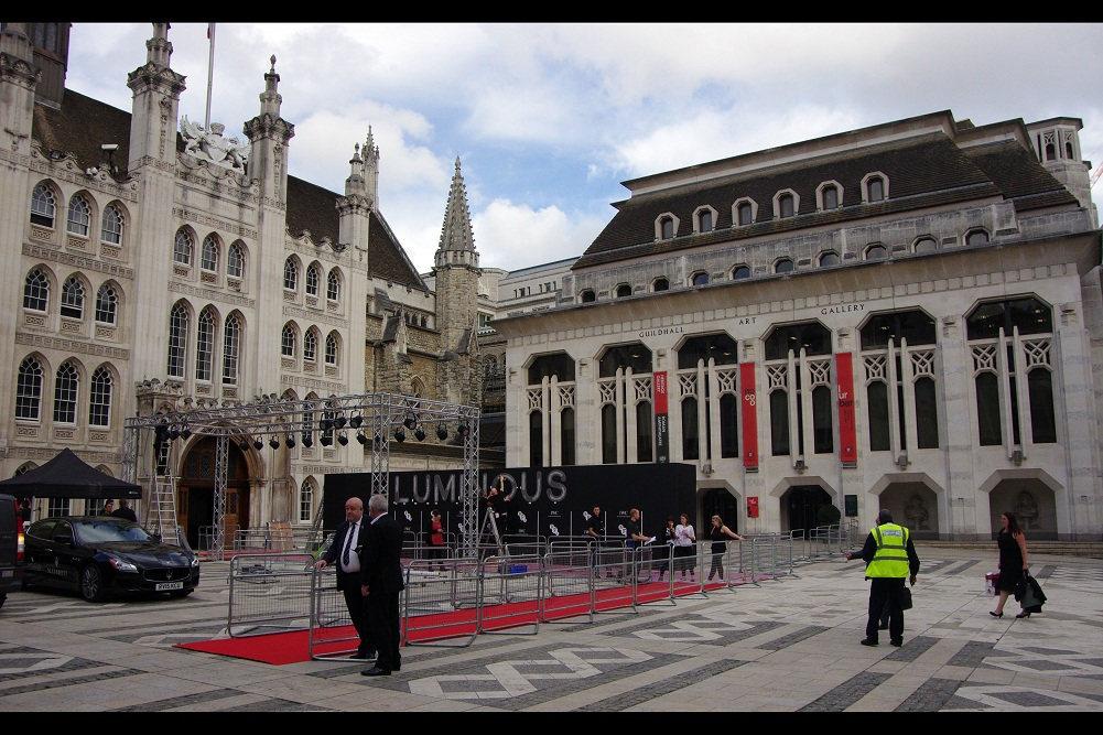 I'd never been to an event at Guildhall before... nor at an event with a red carpet quite that narrow. (I'm just making polite conversation. I'm not allowed to tell anyone that Tom Hiddleston is on The List, although according to who you talk to he's also not on The List)
