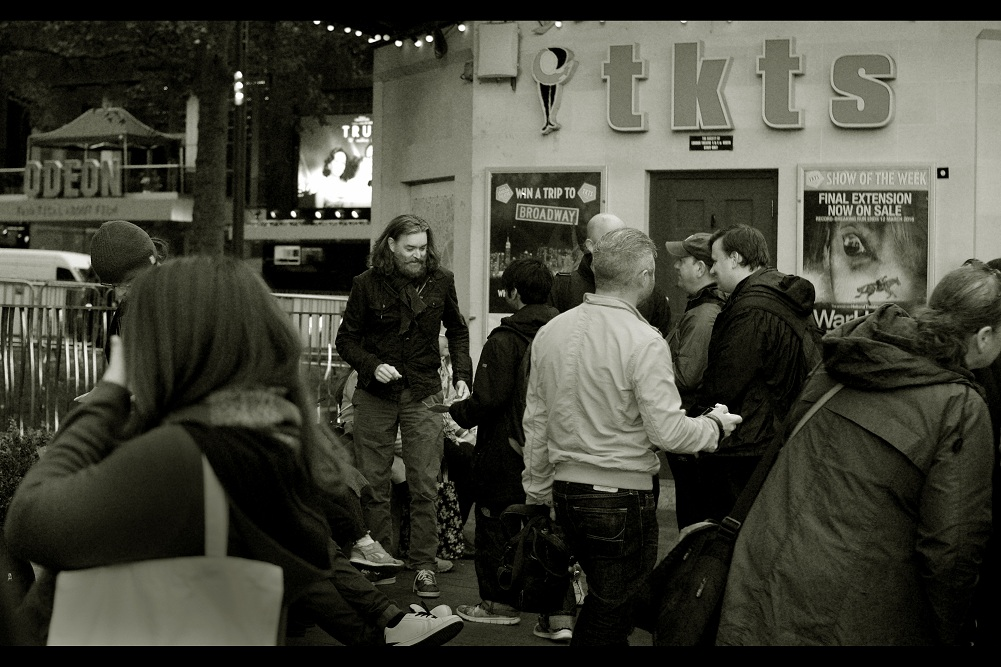 A few hours earlier, and the queue for the premiere was livened up briefly by the discovery that this not-actually-homeless guy was actor Timothy Omundson. Probably best known for being in 'Starship Troopers (1997)' and 120 episodes of the TV series 'Psych'.. which I've never heard of.