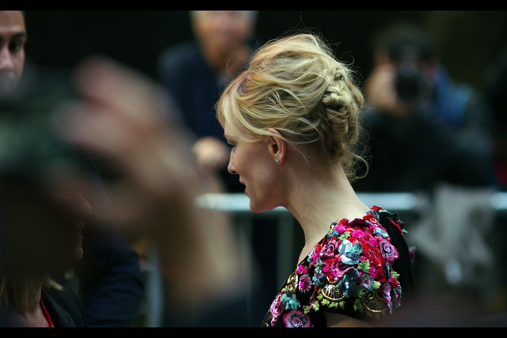 The hair is quite the construction if it's deliberate... or a trifle windswept if not. Either way I like it. I last photographed Cate Blanchett a few days ago at  the premiere of 'Carol' .