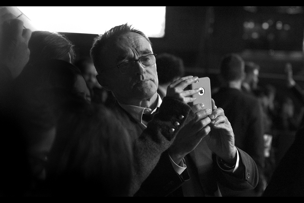 """""""Well... I guess if I'm every going to take a selfie on one of these types of phones it should be at this premiere""""  Meanwhile, my future ex-wife Kate Winslet has completed her interviews and disappeared into the cinema..."""