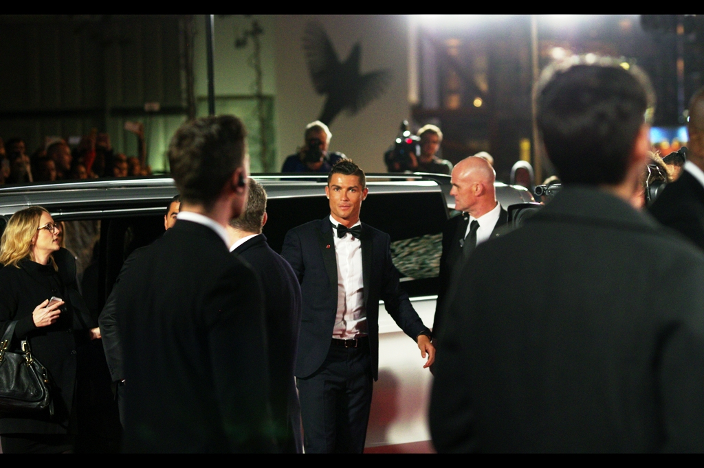 A silver van arrives and dispenses the man of the moment. He and I have made eye-contact , and I'm not sure what to say, if anything. I mean... I still call Rugby League 'football' by default.... so perhaps I won't lead with that.