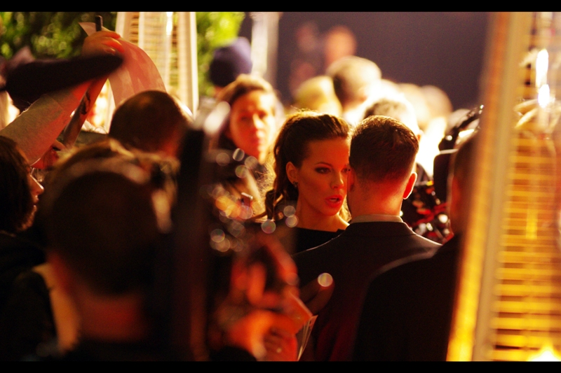 """""""Wait.... you mean I don't HAVE to sign autographs if I don't want to? Well why wouldn't you tell me that earlier??"""" . Like Selma Hayek, I last photographed actress Kate Beckinsale  at yesterday's Evening Standard Theatre Awards"""