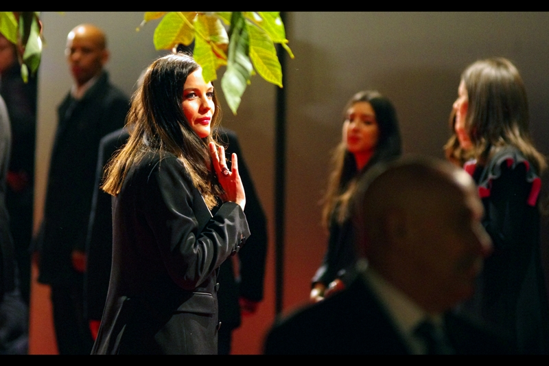In related but much, much rarer news, Liv Tyler (who played Arwen in the original Lord of the Rings trilogy) is at this event. Wearing... charcoal? graphite? or just black?