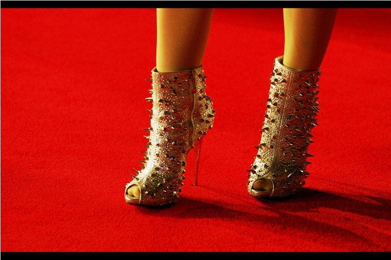 ... well, it's a Tarantino movie. Nobody was walking the red carpet barefoot, but this is at least something.