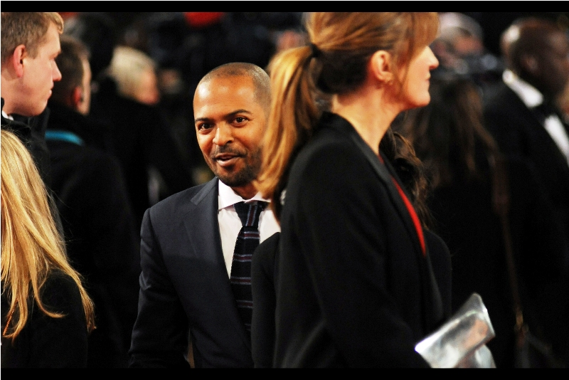 I last saw Noel Clarke on my small iPod screen while I was watchng the movie 'The Anomaly' last week. I thought that movie was.... well, his tie this evening looks fantastic, at least.