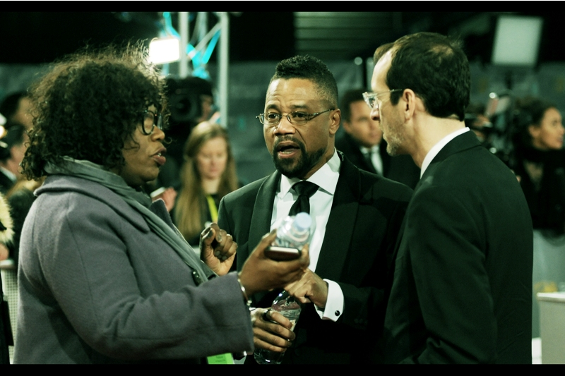 """""""Says here this water was bottled in England"""" """"I hear they got a lot of water there""""  - Cuba Gooding Jnr"""