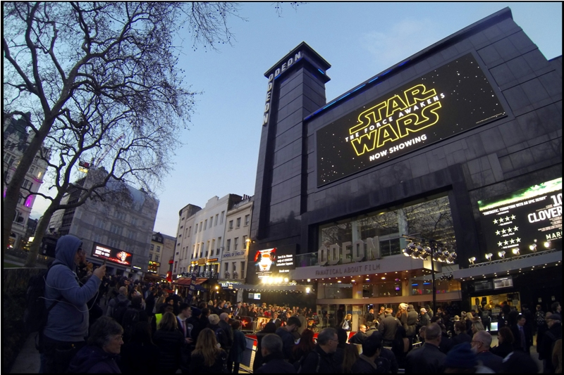 I'm not sure how many passersby thought that maybe London was having a late second premiere for Star Wars The Force Awakens some three months after its release date. I myself missed that movie's premiere, something I felt a lot less annoyed about after I watched the film and found it trite, unoriginal/derivative, pandering, occasionally surprisingly cheap-looking, and safe. Sorry, JJ, but it was.
