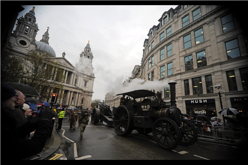 Awesomely, steam-drawn World War 1 artillery also showed up.
