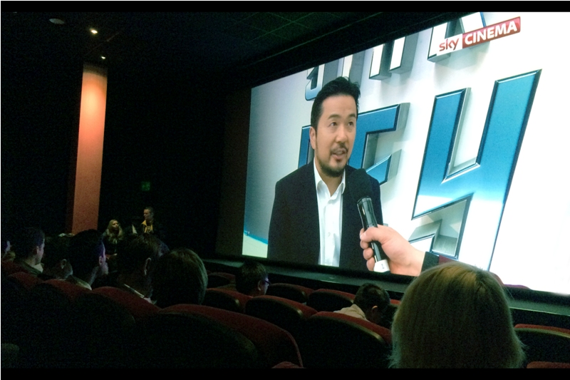 I've already opened my popcorn and started munching on it by the time director Justin Lin (who directed the 2nd, 4th, 5th and 6th movies in the Fast & Furious franchise) got on stage.... fortunately I have previously photographed him at  the premiere of Fast & Furious (the fourth one)