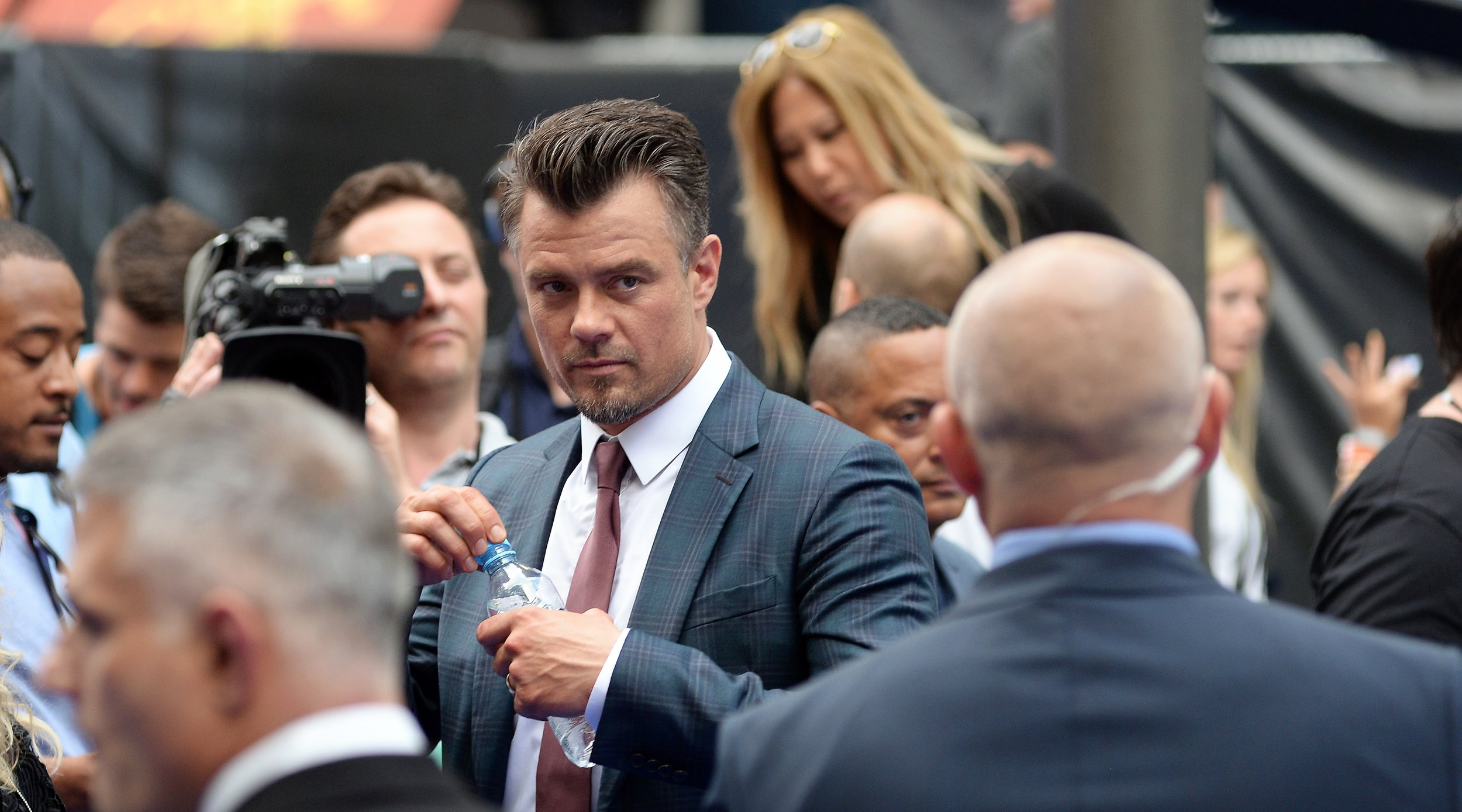 """""""Don't tell me what I missed. I'm going to assume it doesn't matter"""".  Josh Duhamel was in the 1st, 2nd and 3rd Transformers films. And now he's in the 5th."""