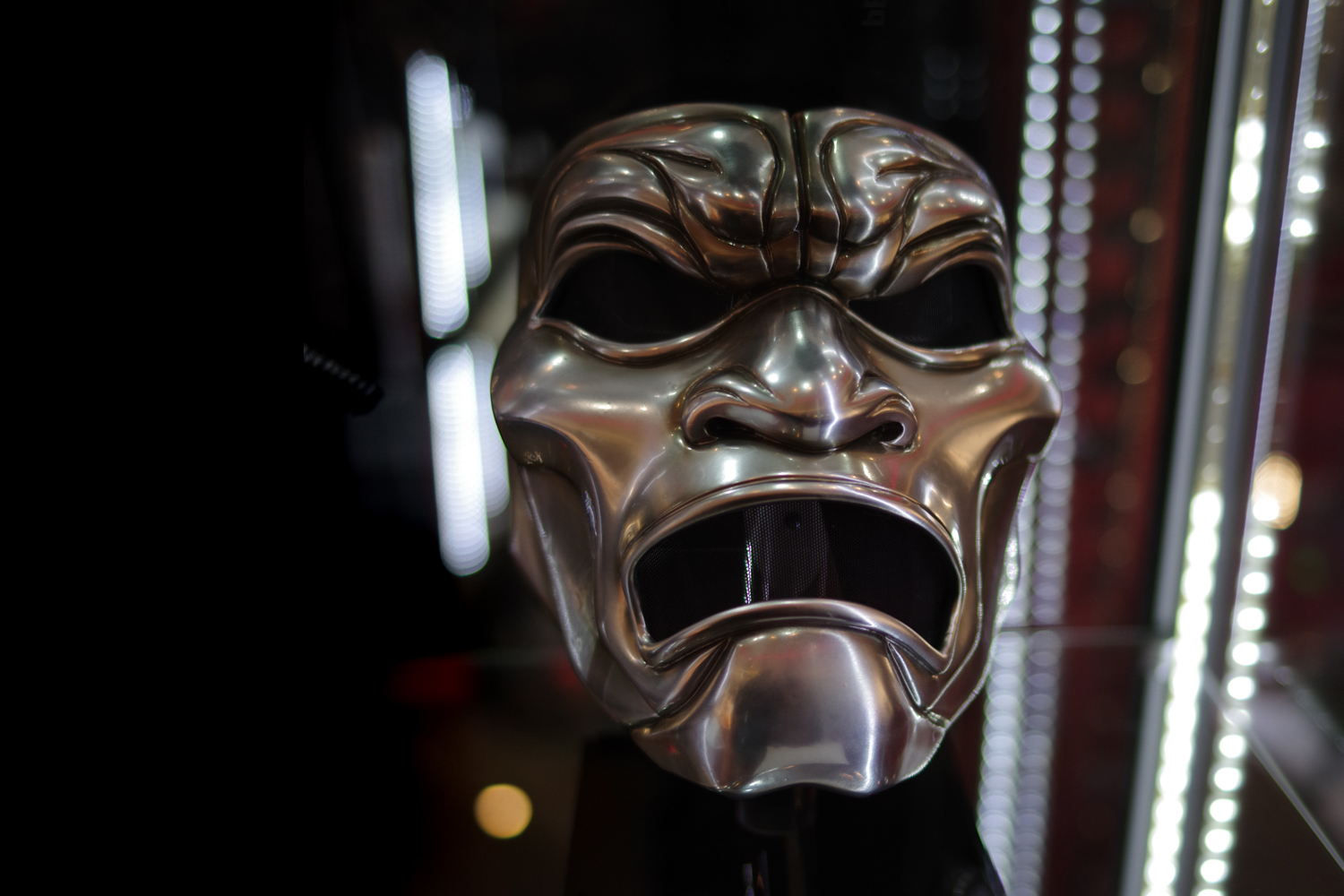 A mask of one of the Immortals from the movie '300' Winning bid: £4,250