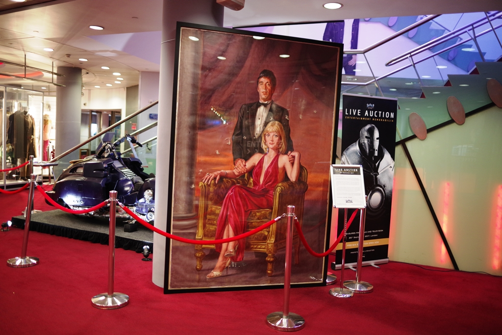 And finally, a full scale Oil Painting from the movie Scarface, which went unsold. (In most bidders' defence, it's almost 2.5metres on its longest edge... delivery fees would be monumental)
