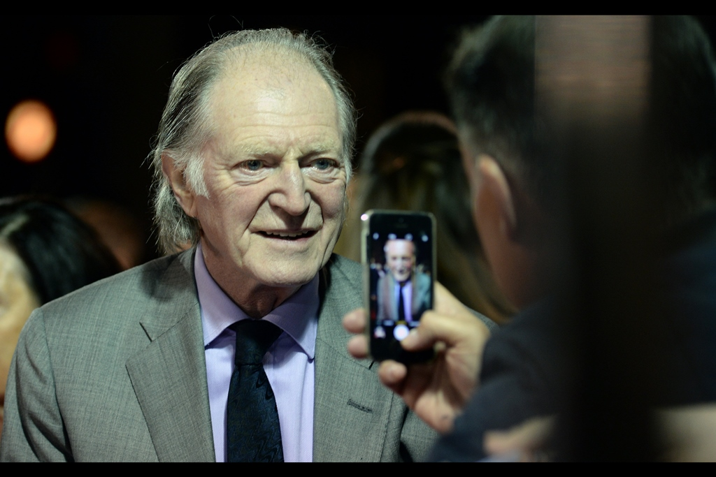 It's David Bradley! he was groundskeeper Argus Filch in Harry Potter, and also the vile Walder Frey in six crucial episodes of Game of Thrones. So that gives you an idea why I don't recognise pretty much anyone else in this event.