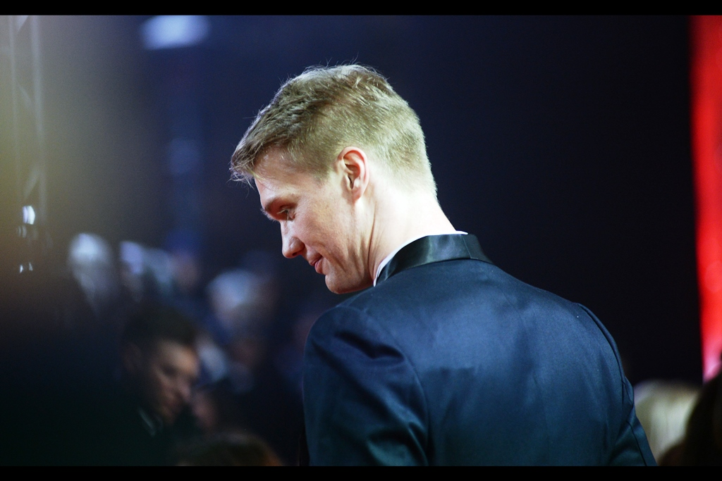 Joonas Suotamo is (the new?) Chewbacca in the film - it's hard to say whether, if I had his height, I would pursue a career in acting, or basketball, or whether I'd just be overjoyed at the height advantage I'd have taking photographs at premieres...
