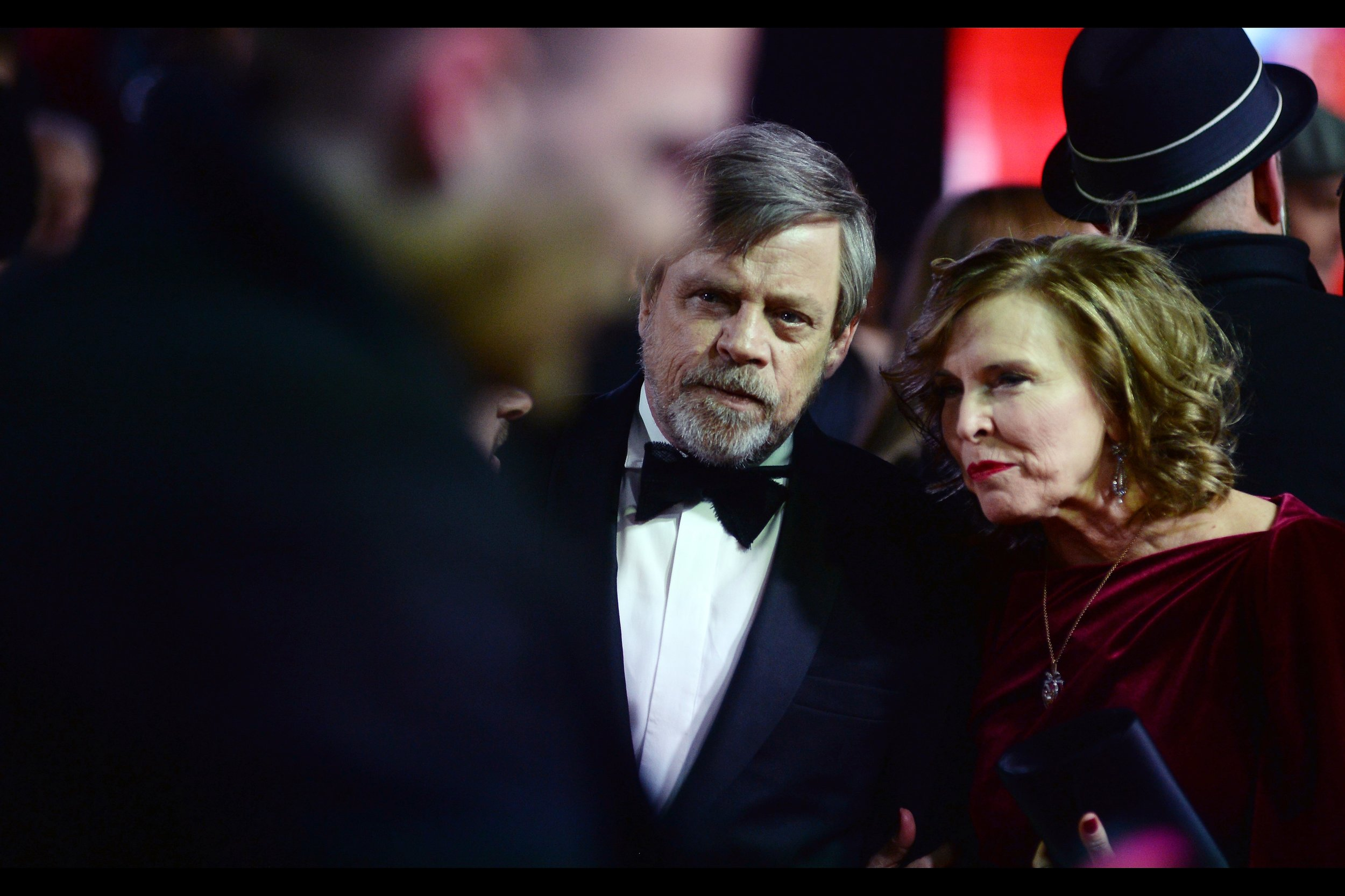 The challenge of getting eye-contact with Mark Hamill continues to dominate my activities, and it's also beneficially distracting me from the cold. I'm quite layered up (thanks for asking!) but it's still only about 2 to 3 degrees celsius in London this evening.