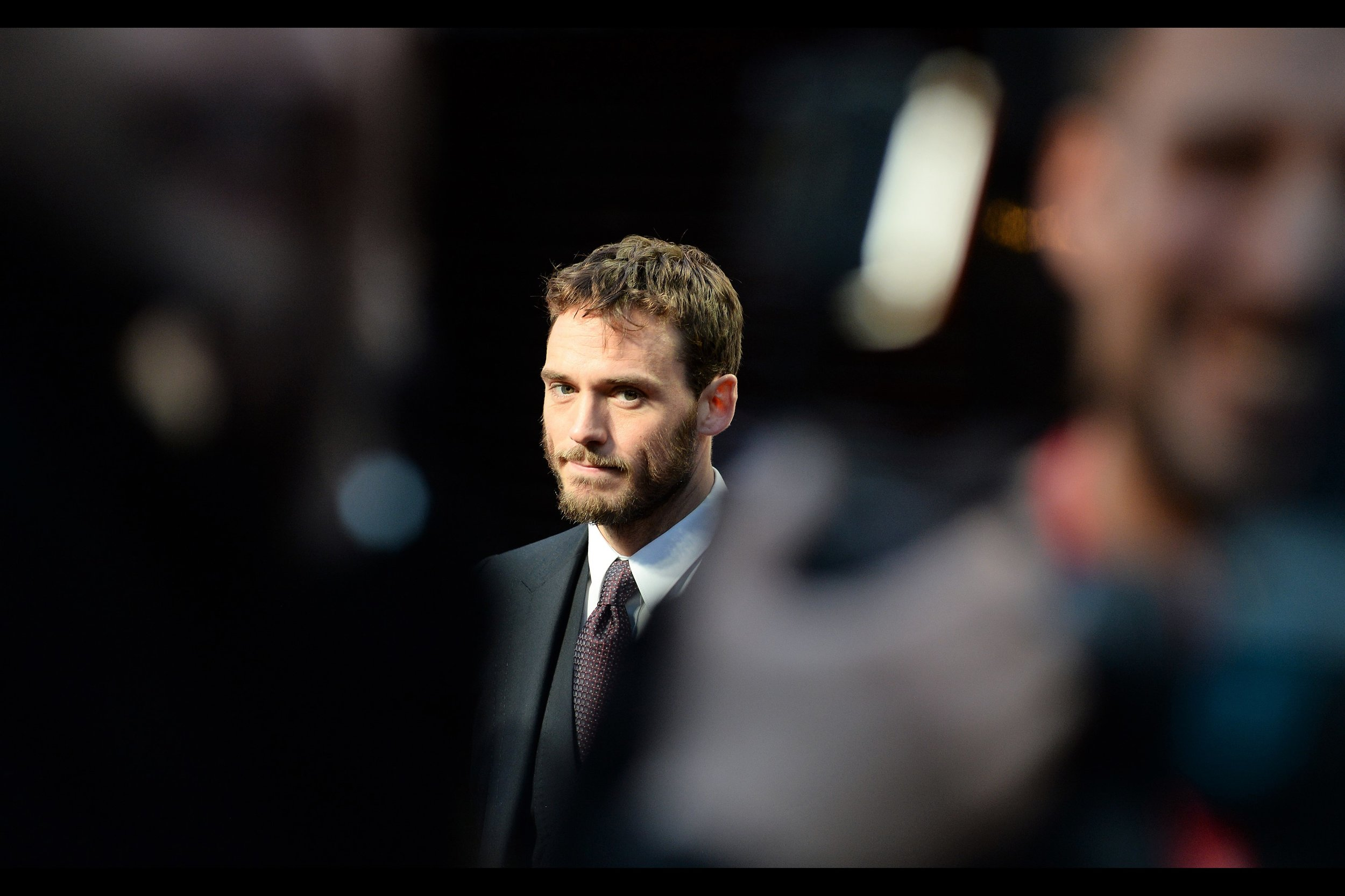 October 6th (part II) : barely fifteen minutes after the prior premiere (a barely fifteen minute walk away) - a second premiere for the day, with Sam Claflin for    'Journey's End'   .