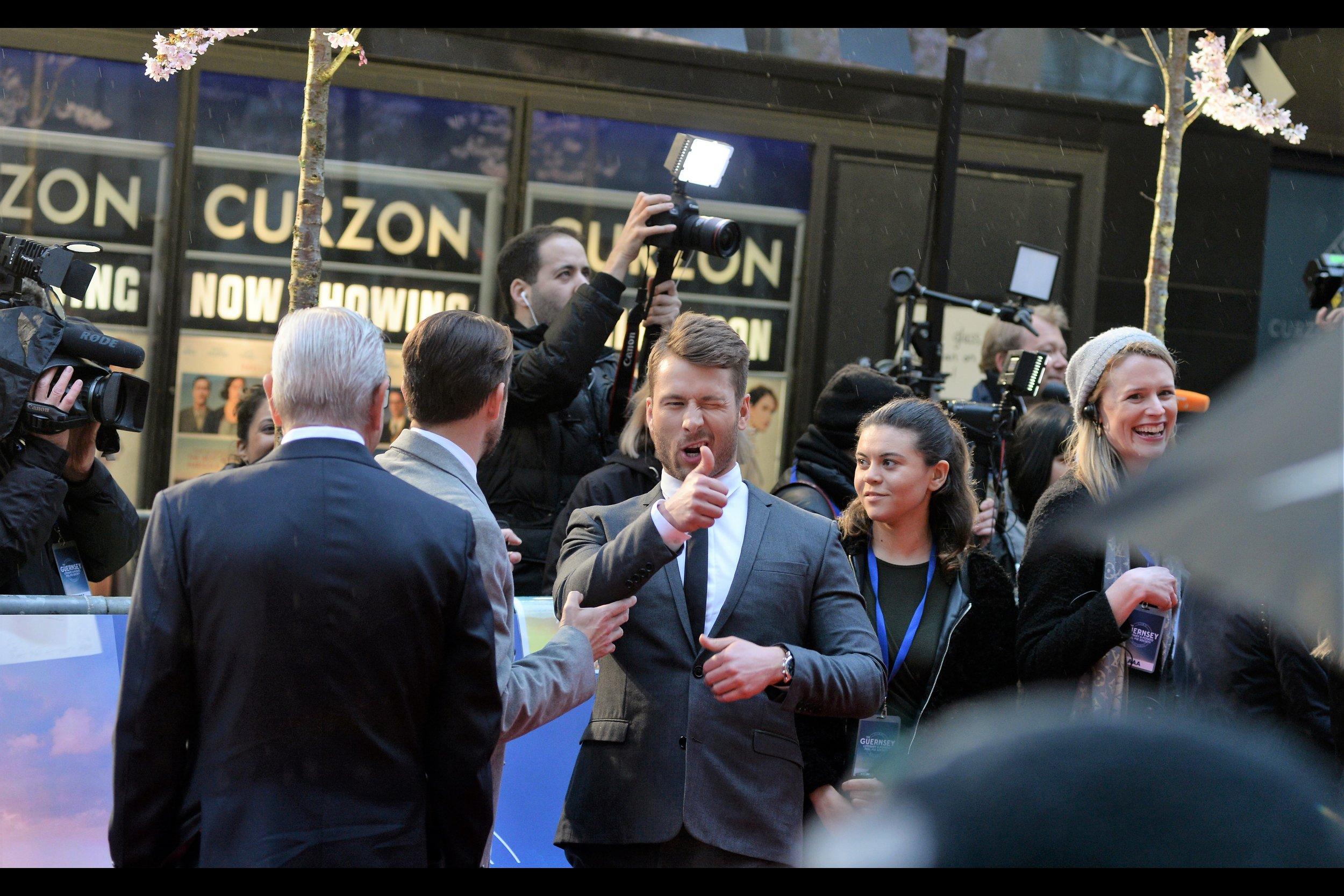 """""""I think you guys are all right. And I say that without knowing, or wanting to get to know, any more of you than this""""  - Glen Powell is in this movie, and was also in the excellent """"Hidden Figures (2017)"""""""