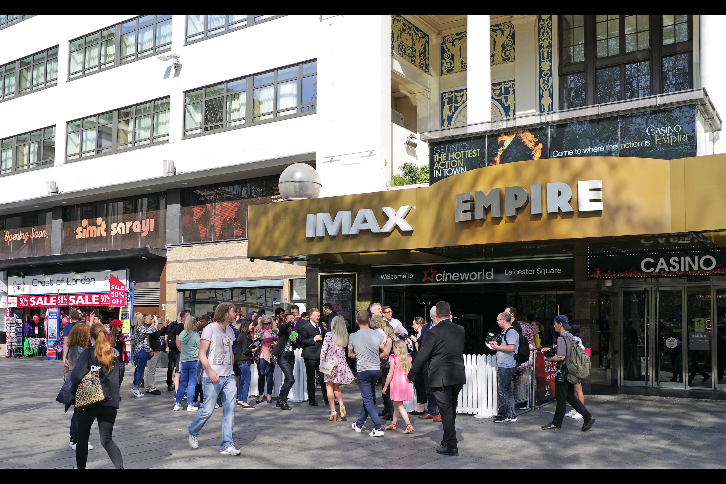 """As you can see, in contrast to (say) Leicester Square's last premiere (   """"Rampage"""" with Dwayne Johnson a week and a half ago   ).... this isn't exactly a  camp-out-for-days-and-get-a-wristband-to-your-choice-of-colour-coded-pen  type of event."""