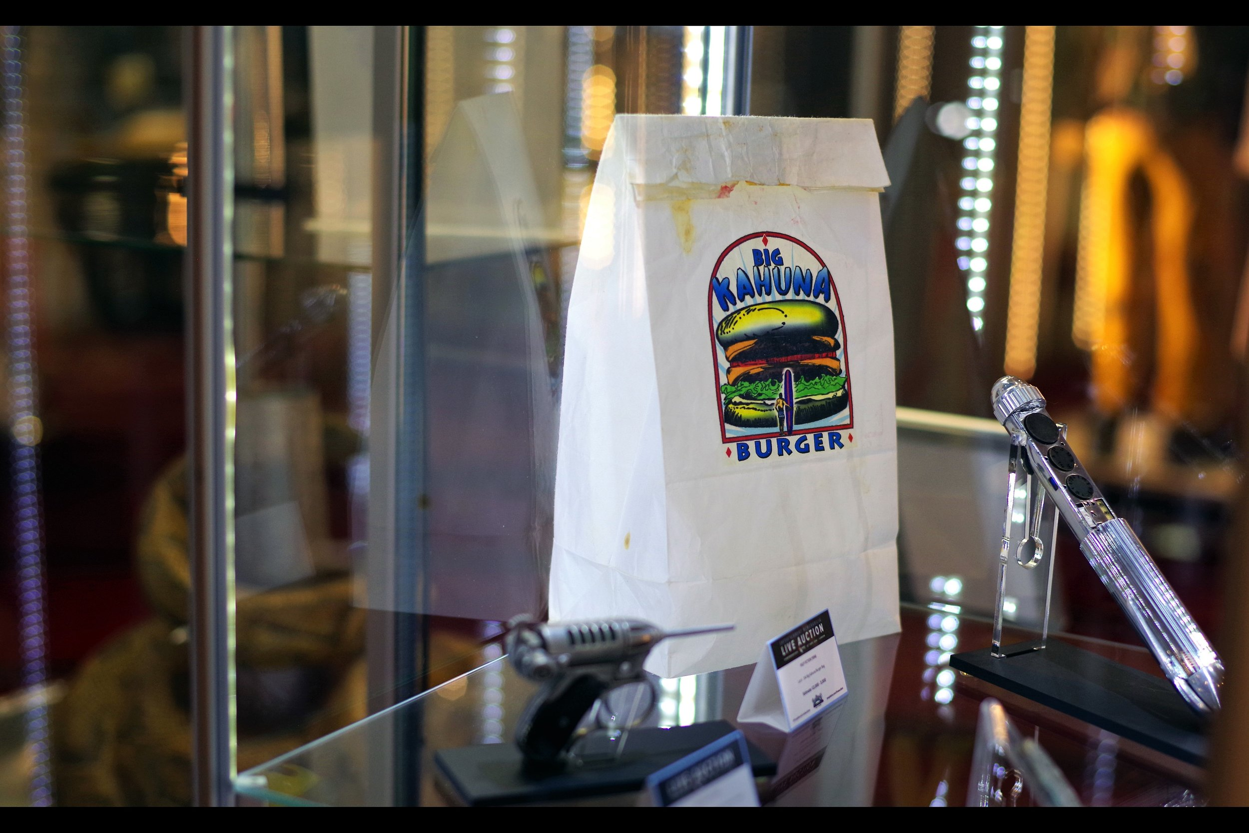 """""""You don't want to look inside. Buy it if you must, but I looked inside earlier, and I'm telling you : you don't want to look inside""""  Pulp Fiction Big Kahuna Burger Bag. (Winning bid £2,000)"""