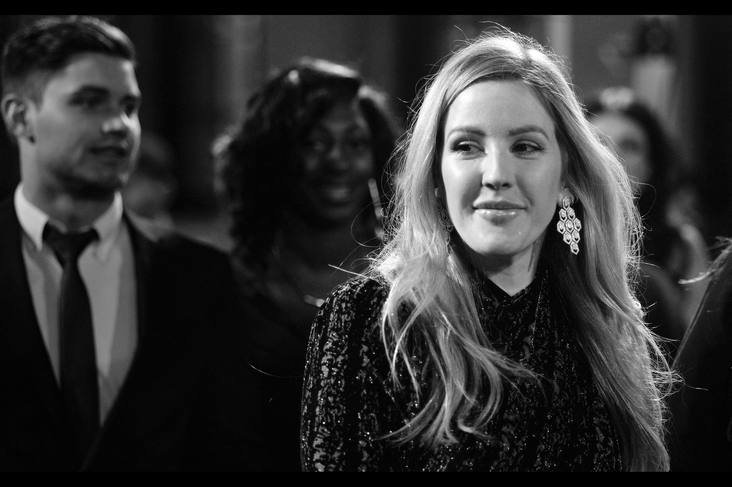 This is singer Ellie Goulding… and all I can say is she's looking a lot more steady on her feet than the last (only?) time I photographed her, which was at a GQ Awards a few years ago now. Not sure why I felt like mentioning that. I don't think she signed autographs for the Dealers.