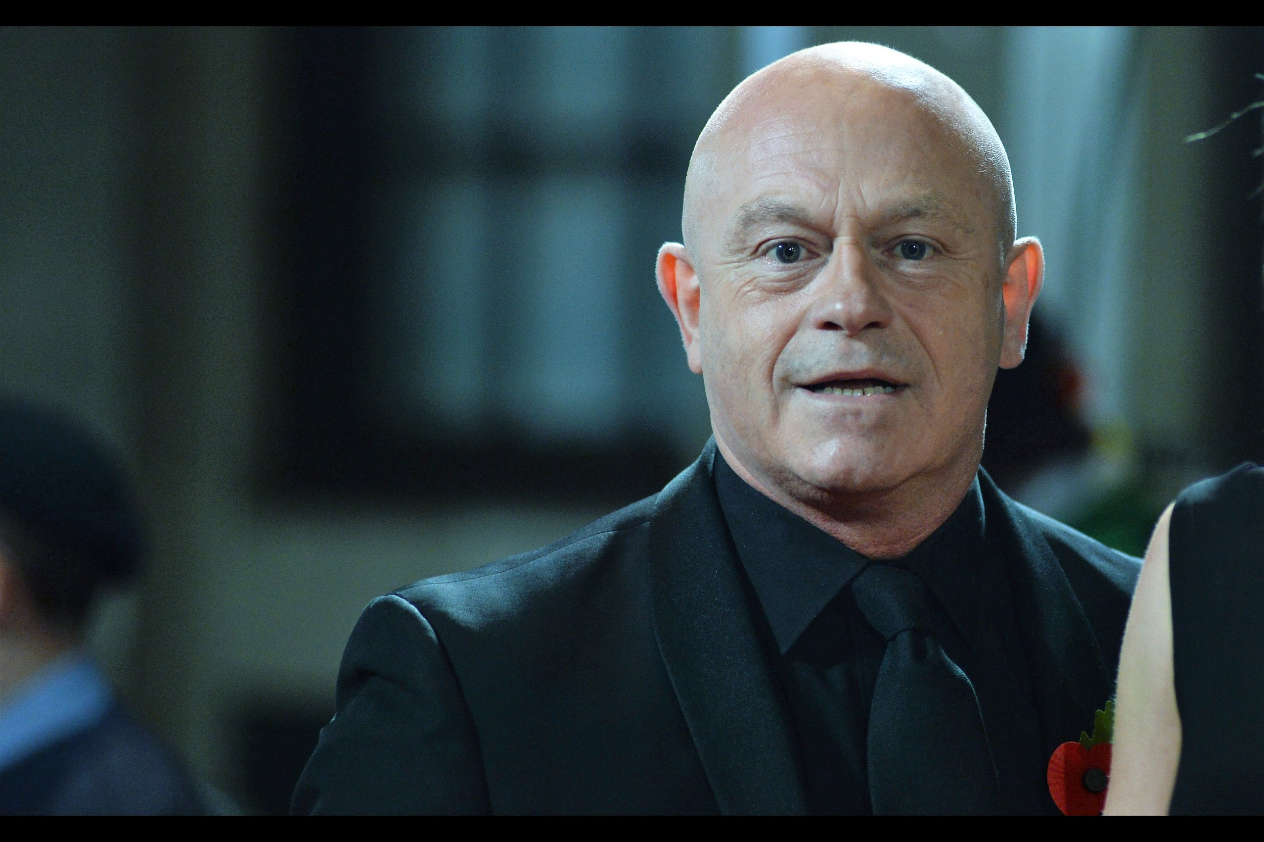 This may be Ross Kemp, and I say that mainly because some of the more fervent/erudite autograph dealers in my vicinity started calling people by their full name, which to me feels kind of needlessly confrontational.