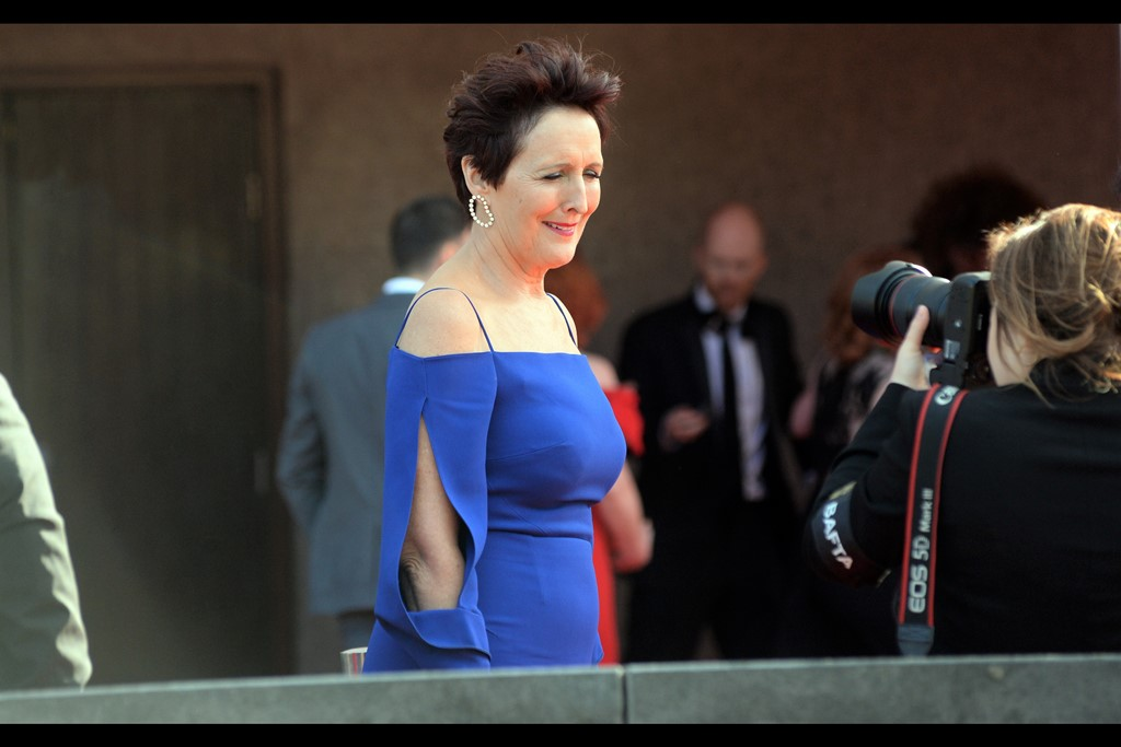 Yet another weird sleeve design coupled with an out of focus arm (?) in the background makes this a pretty odd photo of Fiona Shaw, who won Best Supporting Actress for 'Killing Eve' on the night.