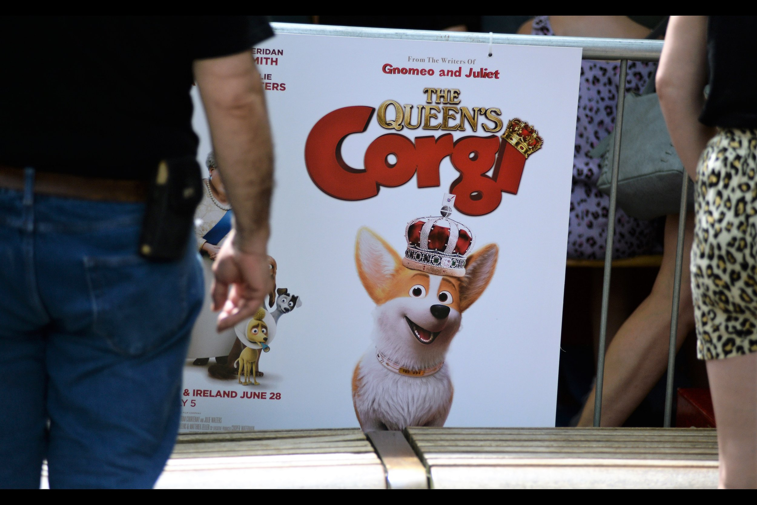 In the movie, the voice of the Queen's Corgi is provided by somebody who didn't feel like attending this premiere, so they didn't. But I don't mind telling you that autograph dealers who showed up at this event were disappointed. They were DISAPPOINTED, do you hear??