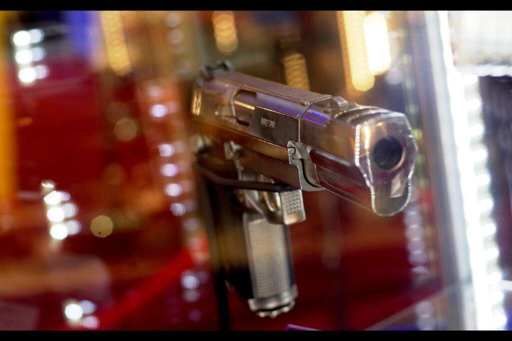 The Bride's pistol from Kill Bill Volume 2. Estimate: £6,000 - 8,000. Winning bid : £7,380