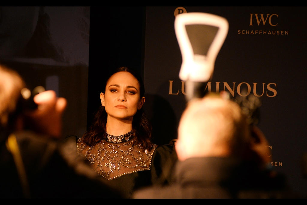 """Those people out there are standing there in the rain, and I still can't figure out why""  It's probably something lodged between 'weirdness', 'obsession' and 'inertia'. And Tuppence Middleton was most recently in (and at the premiere of) the    ""Downton Abbey""    movie."