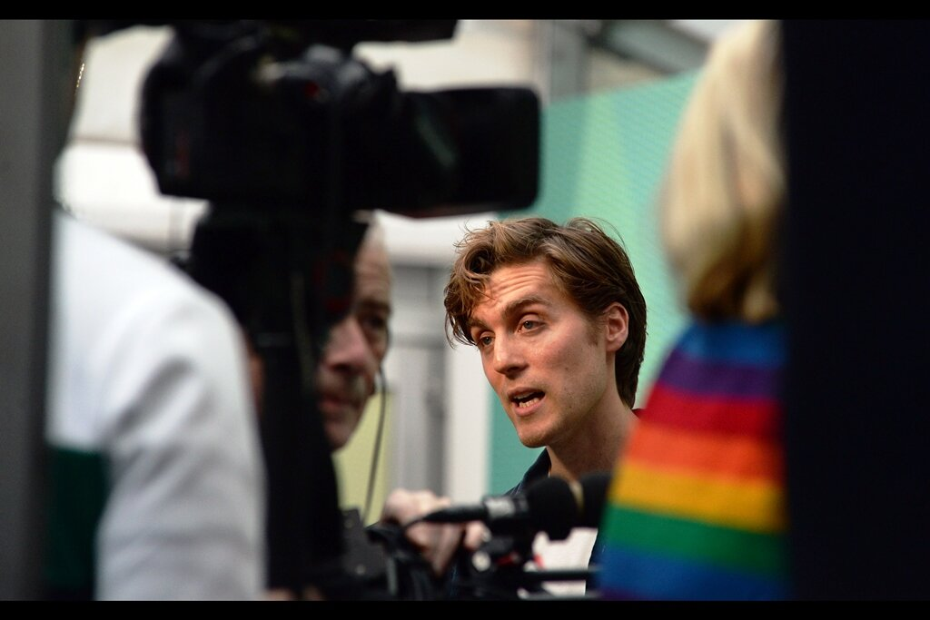 """""""So anyway… as long as I don't get distracted by that incredible rainbow jumper to my left again, I should be able to maintain enough focus to answer your question. Which, owing to the aforementioned jumper, I have once again forgotten"""""""
