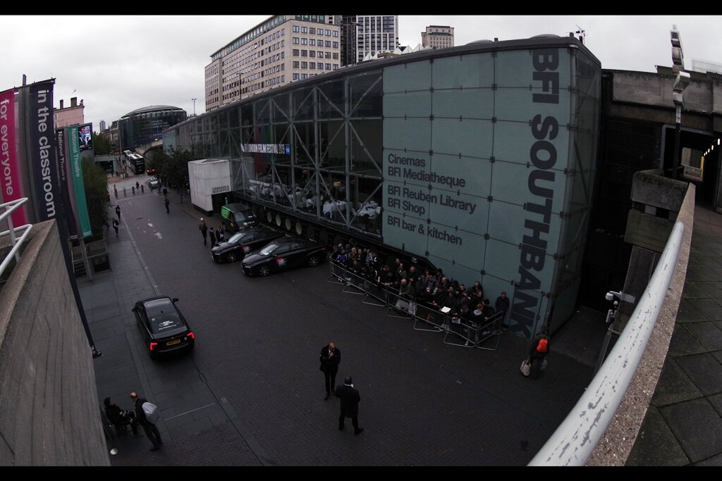 """I arrived at BFI Southbank to see a large pen filled with autograph dealers (I mean… """"FANS"""") waiting for the arrival of Robert De Niro (who would be doing a screen talk inside), hoping like hell he wouldn't use any one of the three known alternative entrances into the building."""