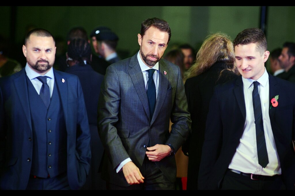OMG : it's somebody I recognise, and even more incredibly it's somebody from the world of soccer (aka 'football' if you're British, and arguably Proud; whereas I'm from Australia and arguably MORE proud) - it's England's manager Gareth Southgate
