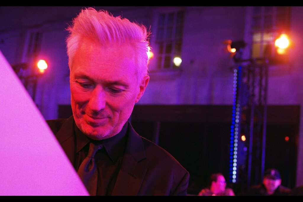 I believe this is Martin Kemp? (I'm too uncertain to present Martin Kemp's bio for fear of making whoever this is feel inadequate if this is not Martin Kemp…. whereas if it IS Martin Kemp, I'm pretty sure he knows who he is and doesn't need reminding)