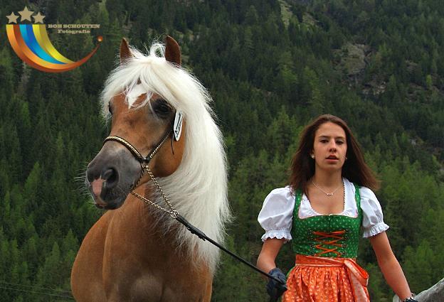 Sowina Ötztal Ausstellung 1.jpg