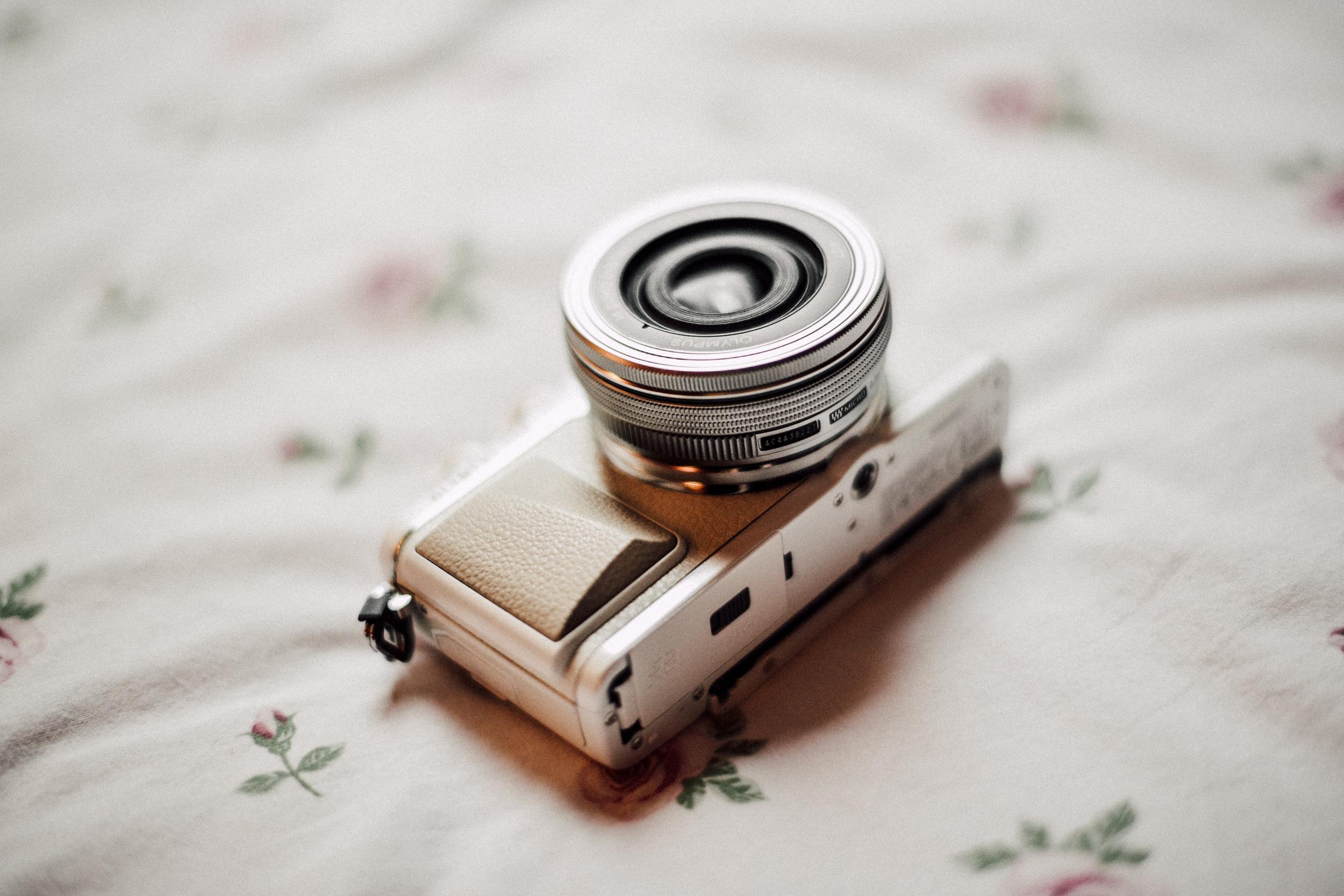 Olympus Pen Generation EPL-7 camera fashion blogger review