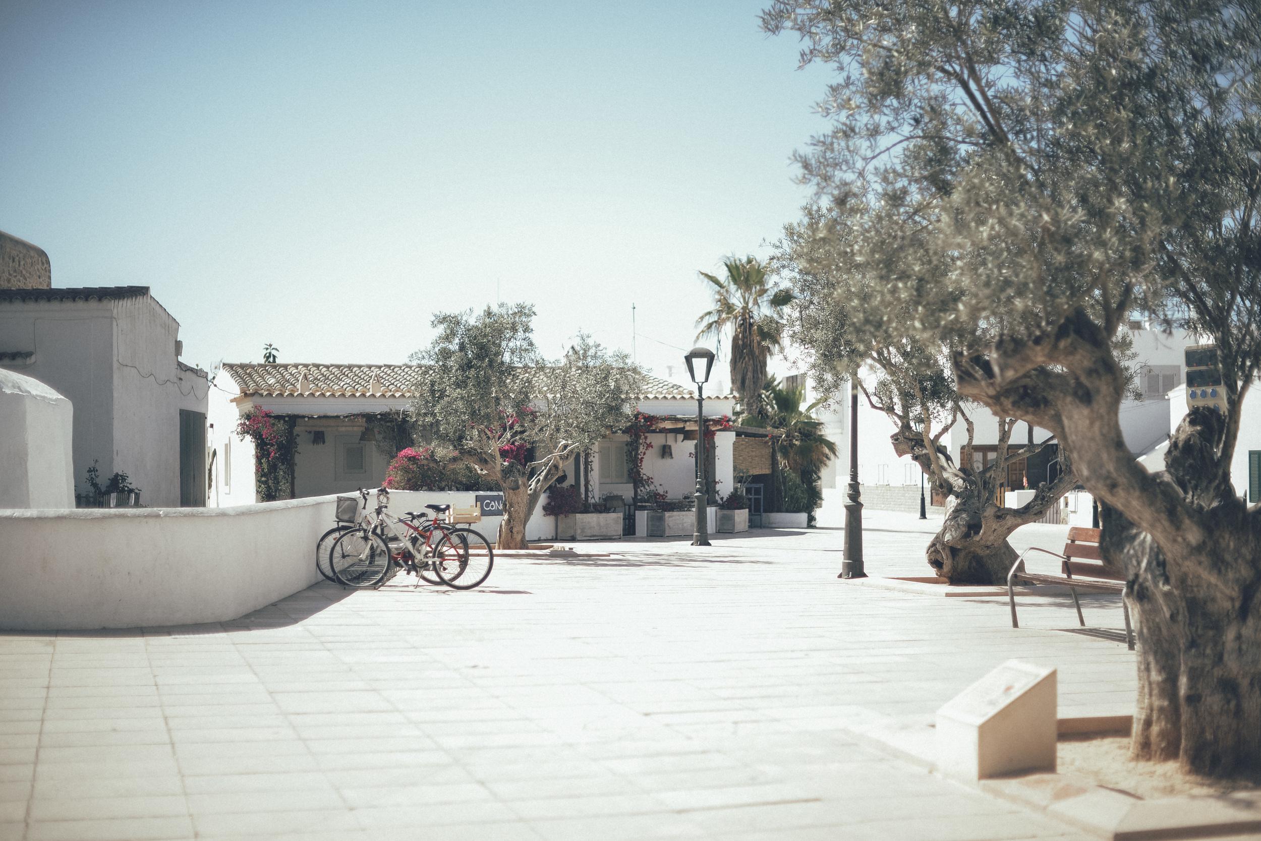 Ibiza _ Travel Fashion Blogger16.JPG