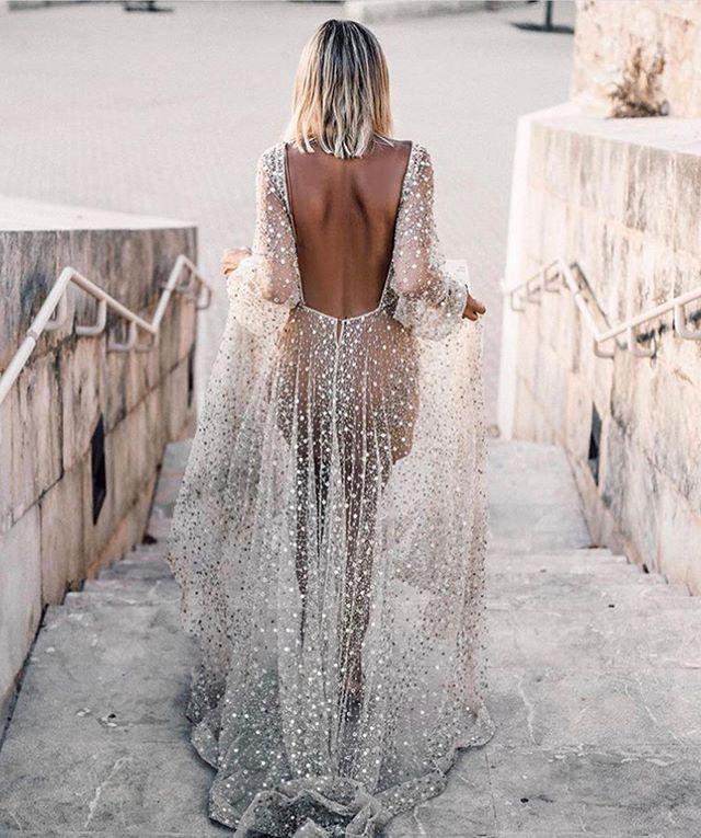 Dress of dreams ✨ . This dress seems to always pop up on my Instagram browser... I wonder why? 🙄 dress @chosenbyoneday
