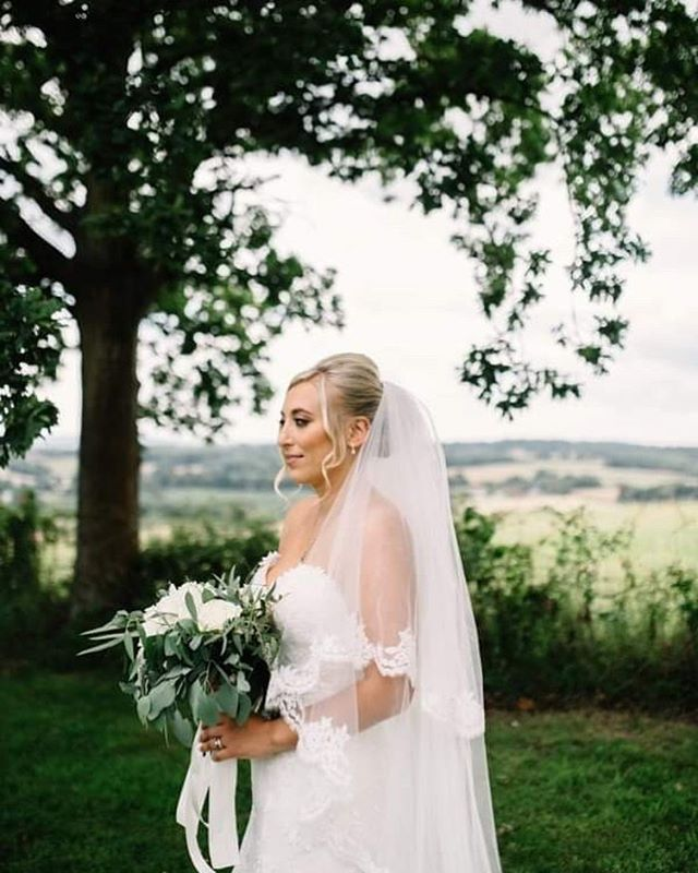 I just adore this photo. I know it's not the closest of the makeup, but how gorgeously serene does Loulla look?  @georgina_piper_photography  @loulla_selmes  Gorgeous hair by her extremely talented sister @lilycharlotteflackhair